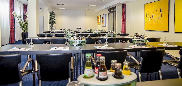 Bis zu 60 Personen finden bei einer Tagung im Münstersaal im Raum Platz