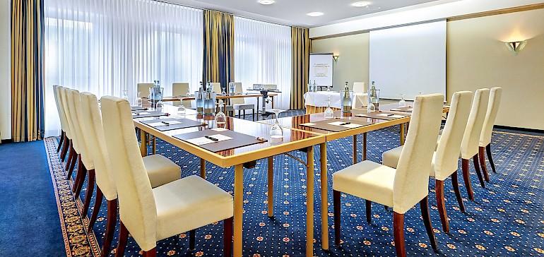 Der Tagungsraum Salon ist gut geschnitten und eignet sich für Tagungen mit bis zu 45 Personen