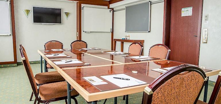 Der Tagungsraum Geheimratszimmer ist ein guter Raum für Besprechungen und Gruppenarbeiten