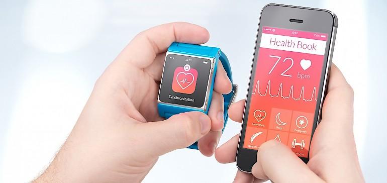 Die Gesundheit mit dem Fitnessarmband tracken oder doch lieber Digital-Detox-Tage einlegen?