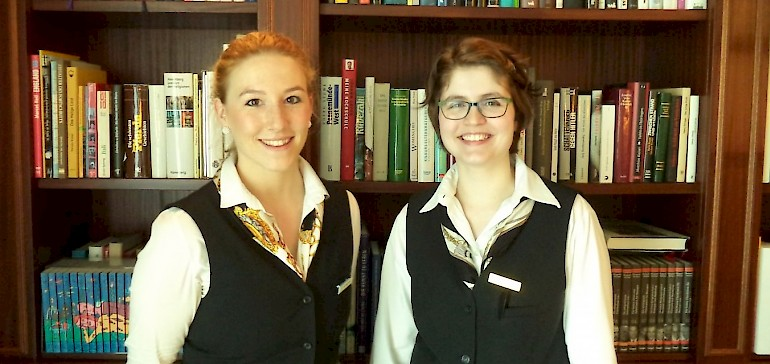 Unsere zwei ersten Studenten im Kaiserhof berichten von ihren Erfahrungen mit dem Tourismusstudium