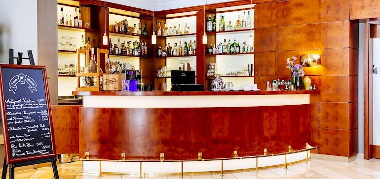 In der Bar und Lounge Barachiel's servieren wir Getränke und Snacks