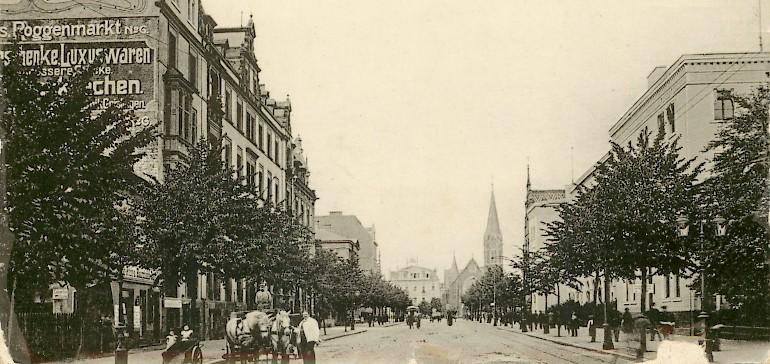 Blick auf die Bahhofstraße mit dem Kaiserhof auf der linken Seite