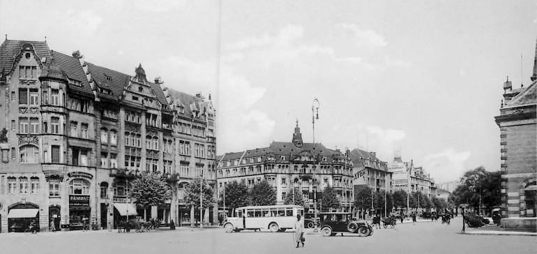 Der frühere Bahnhofsplatz Münster mit dem Hotel Kaiserhof im Hintergrund