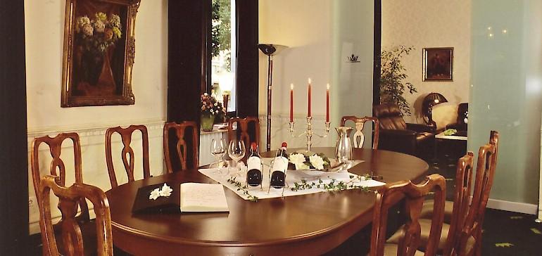 Das Weinzimmer, bis ca. 2010 Besprechungs- und Bankettraum gegenüber der Rezeption