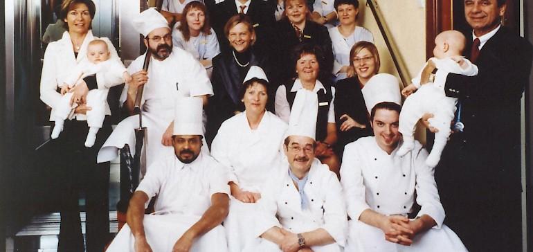 Das Kaiserhof-Team mit Familie Cremer um 2000