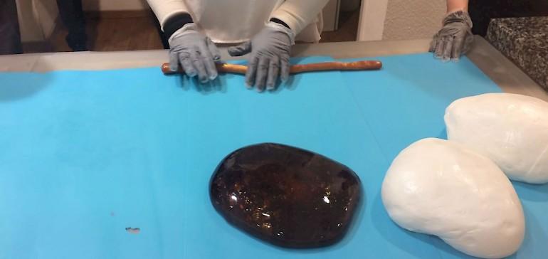 Die verschiedenen Teile des Bonbons werden verarbeitet