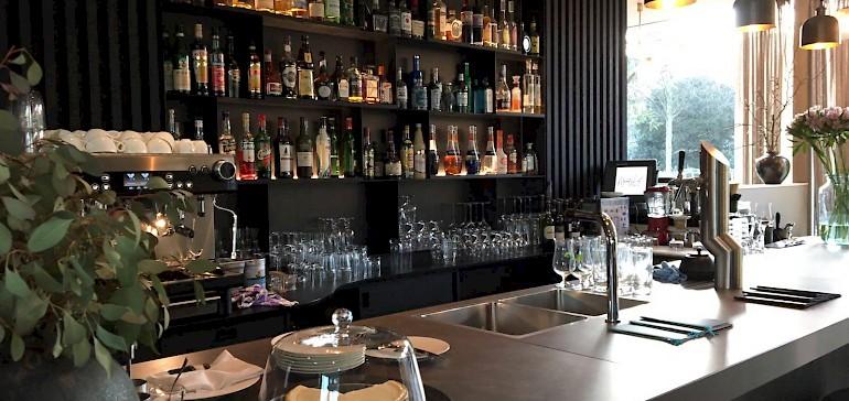 Die Bar ist sehr gut ausgestattet