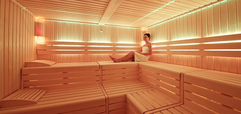 Genießen Sie ein Bad in den drei Saunen