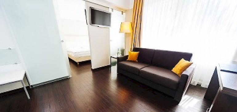 Neue, hochwertige Schlafcouch im Familienzimmer im Hotel Kaiserhof Münster