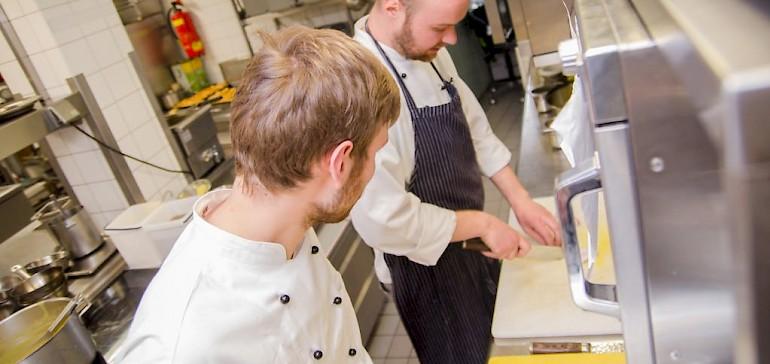 In der Kochausbildung lernt man alle Fingerfertigkeiten