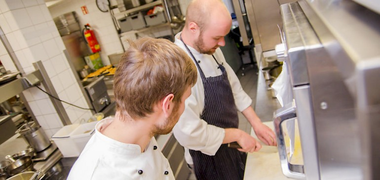 In der Küche lernen unsere Lehrlinge alle Grundlagen kennen