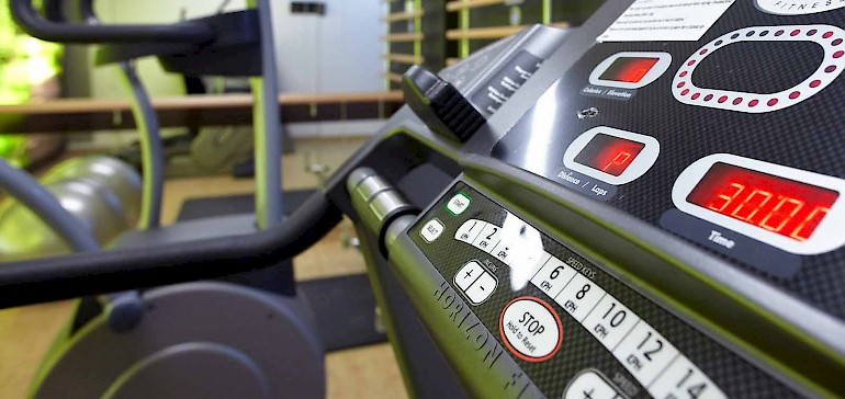 Das Hotel mit Fitnessraum verfügt über hochwertige Geräte