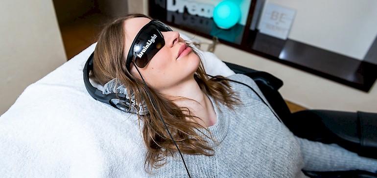 Mit dem brainLight Massagesessel entspannen Sie innerhalb von wenigen Minuten