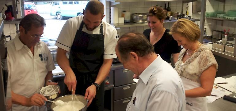 Beim Kochkurs in Münster können Sie selber Hand anlegen oder beobachten