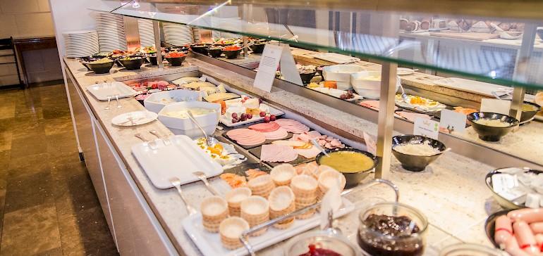 Das Frühstücksbuffet in Münster bieten Aufschnitt, Käse, Marmeladen und vieles mehr