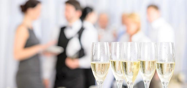 Für private und geschäftliche Feiern in Münster stehen 8 klimatisierte Räumlichkeiten im Hotel Kaiserhof bereit