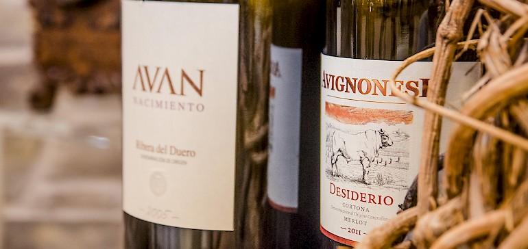 Das Rahmenprogramm ist ein wesentlicher Teil einer gelungenen Feier. Wie wäre es mit einer Weinprobe?