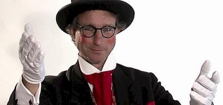 Um die Unterhaltung auf Ihrem Firmenevent kümmert sich Christoph Gilsbach alias Butler George
