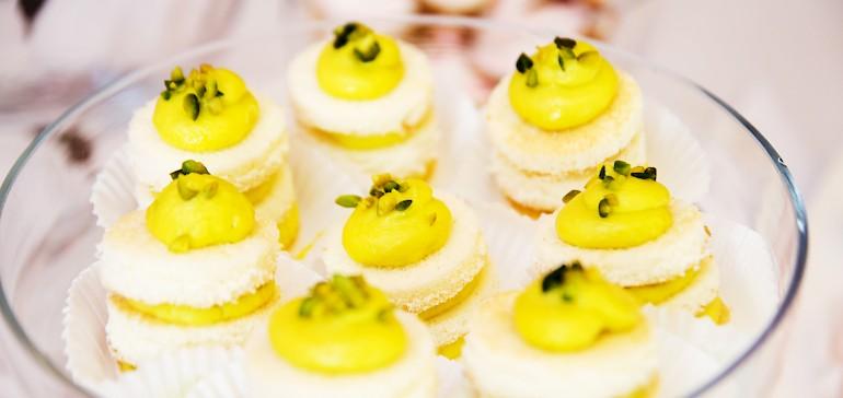 Gerne vermitteln wir Ihnen Konditoren in Münster für Ihre Hochzeitstorte und kleine Kuchen