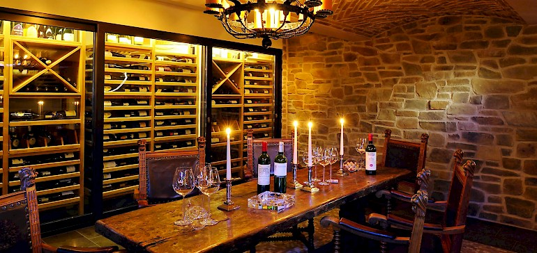 Der Weinkeller im Kaiserhof Münster kann exklusiv für Veranstaltungen gebucht werden