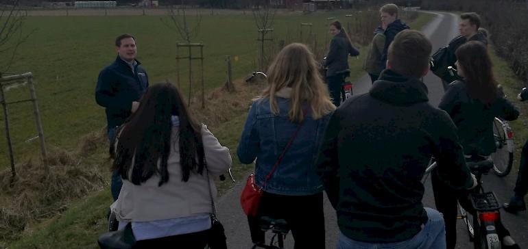 Vertriebsleiter Dominik zeigte uns bei einer Fahrradtour die unterschiedlichen Locations im Resort