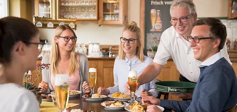 Einen außergwöhnliches Abstecher als Begleitprogramm der Jahrestagung ist z.B. ein Brauerei-Besuch.
