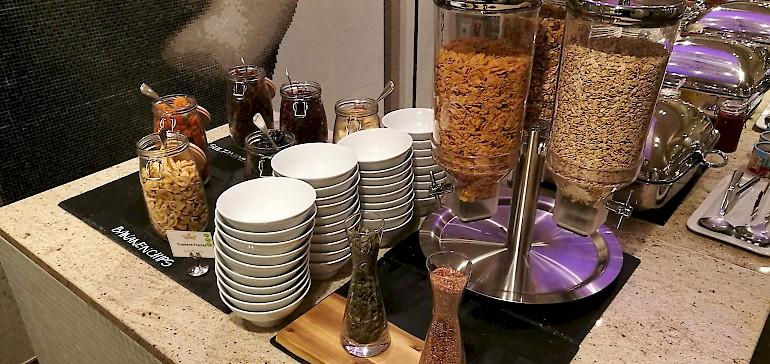 Beim Frühstück im Hotel hat man oft eine große Auswahl gesunder Lebensmittel