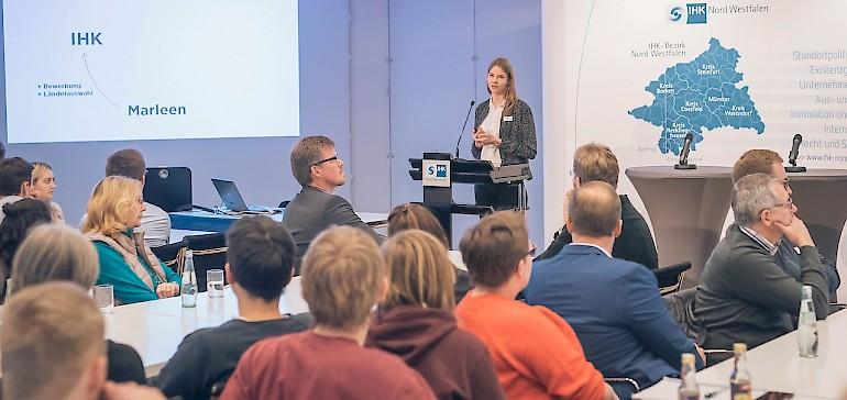 """Vortrag von Marleen während des IHK Forums """"Aus- und Weiterbildung weltweit"""""""