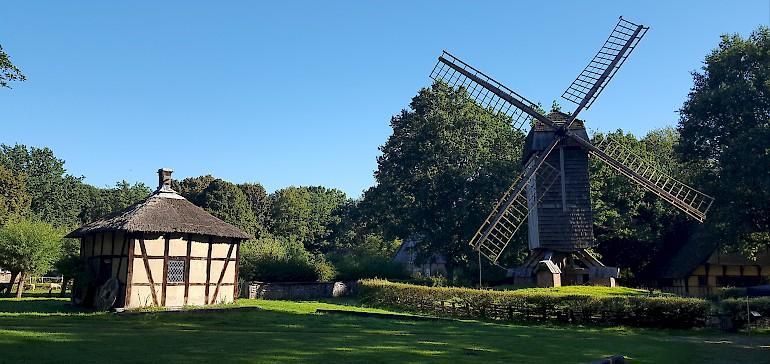 Der Mühlenhof ist ein Freilichtmuseum mit historischen Höfen und Häusern aus dem 16. bis 19. Jahrhundert