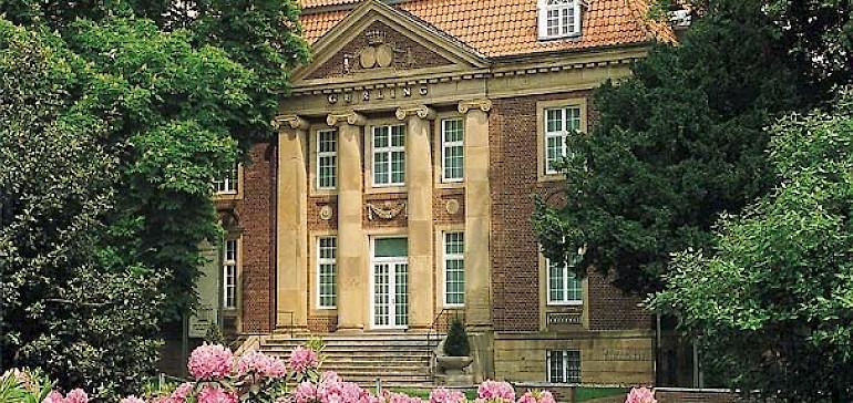 Einmalig auf der Welt ist das Museum für Lackkunst in Münster mit über 2.000 Exponaten