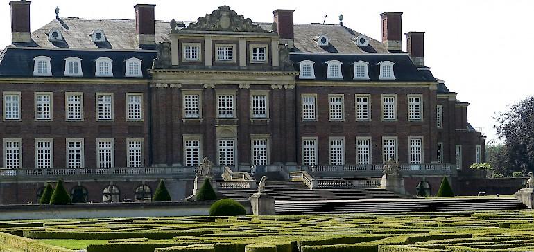 Die barocke Schlossanlage Schloss Nordkirchen sollte auf jeden Fall ein Stopp auf Ihrer Radtour sein
