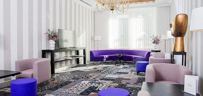 Stylischer geht es kaum. Die Kaiserhof-Lobby designt von Dieter Sieger.